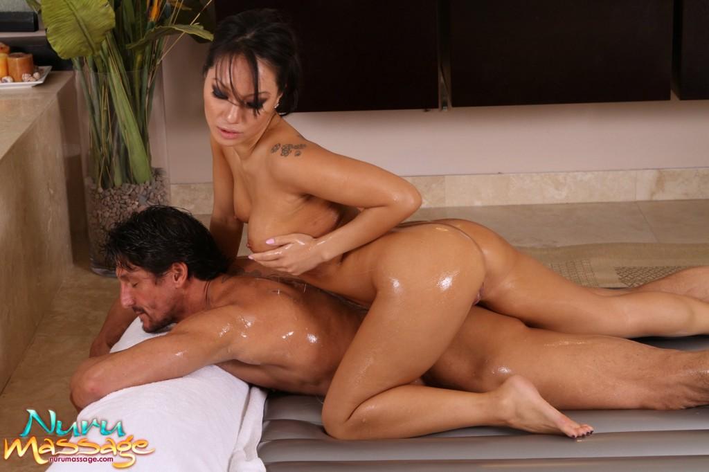 nuru massage skåne erotik för äldre