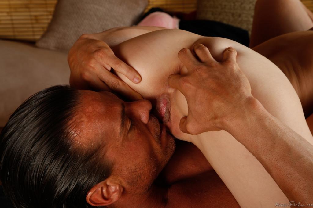 секс фото массаж переходящий в секс